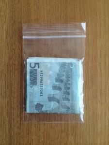 ビニル財布
